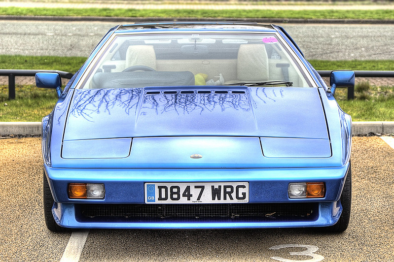 Blue Lotus Esprit 1987 in Merseyside